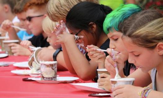 Pie and Ice Cream Contest