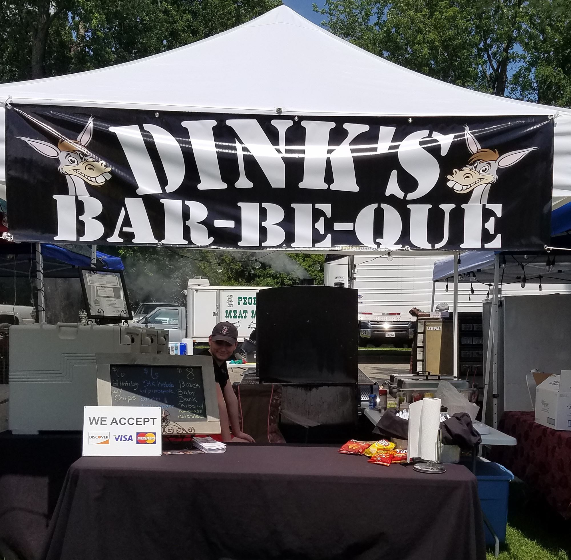 NEW - Dink's Bar-be-Que - NEW