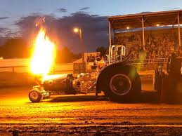 Central MN Pullers Tractor Pull