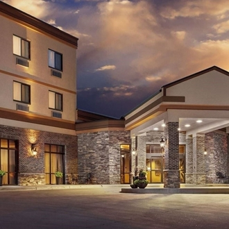 The Roosevelt Grand Dakota Hotel  is a hotel and conference center in Dickinson, ND. Catering and meeting rooms.
