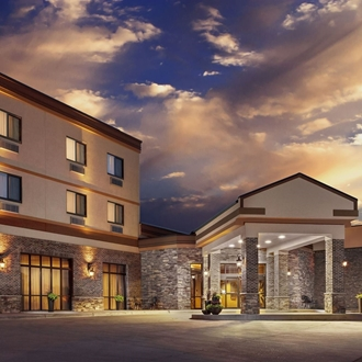 The Ramada Grand Dakota is a hotel and conference center in Dickinson, ND. Catering and meeting rooms.