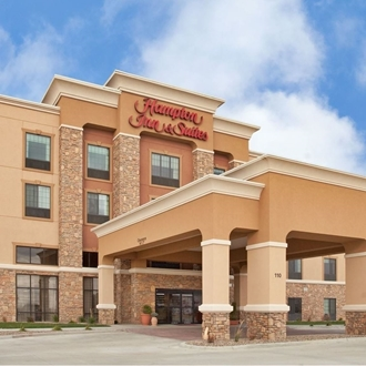 Hampton Inn & Suites is a hotel in Dickinson, ND. Meeting room available.