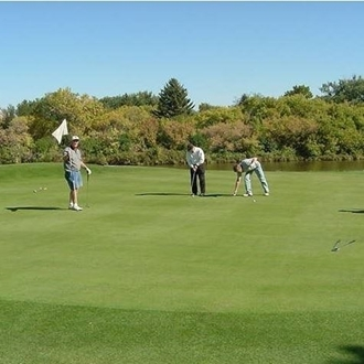 The Scranton Community Golf Course in Scranton, ND is a a nice day trip from Dickinson, ND.