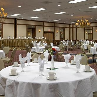 Roosevelt Grand Dakota Hotel in Dickinson, ND