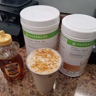 Max Nutrition in Dickinson, ND offers meal replacement shakes and teas.
