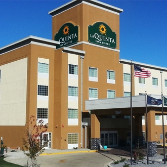 The La Quinta Inn & Suites is a hotel in Dickinson, ND. Meeting room available.