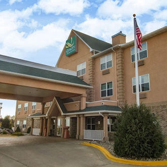 Motel 6 is a hotel in Dickinson, ND. Meeting room available.