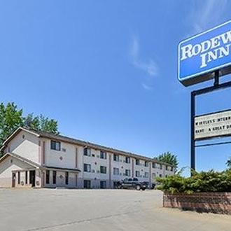 Rodeway Inn is a hotel in Dickinson, ND.