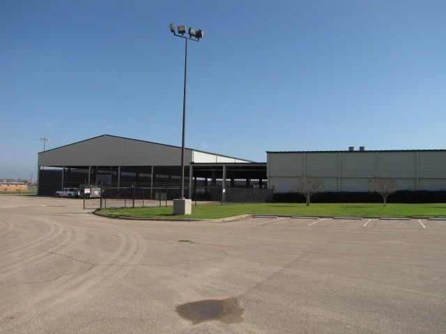 Back Of Extraco Show Pavilion