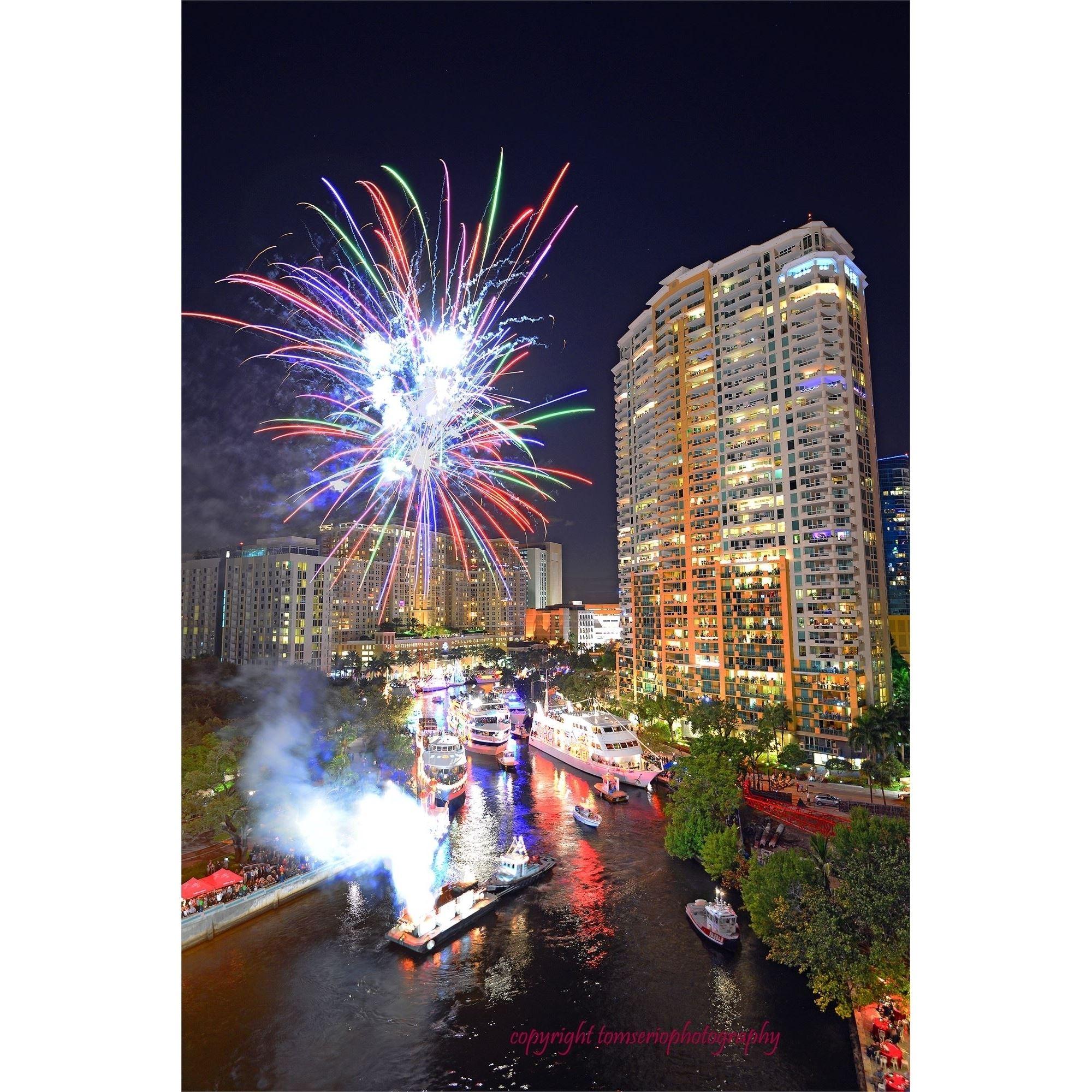 Fort Lauderdale Christmas Boat Parade.Seminole Hard Rock Winterfest Boat Parade