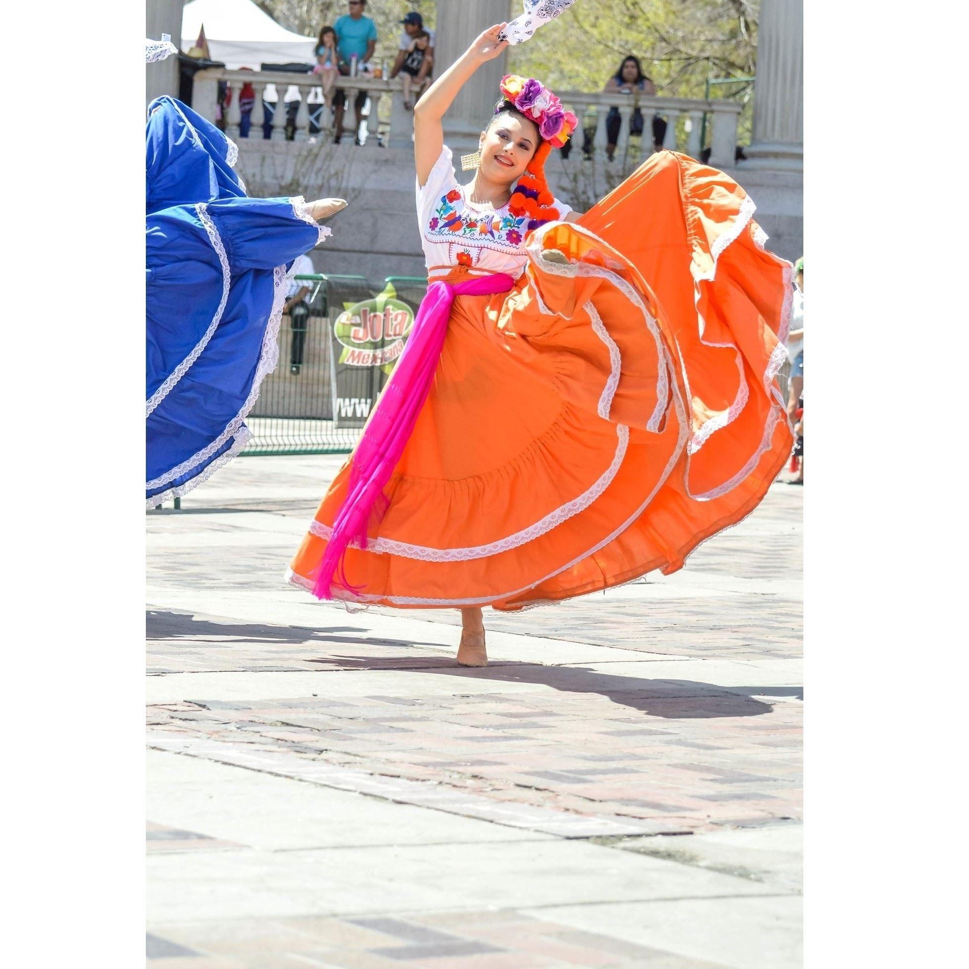 Ballet Folklorico de Lisa Trujillo