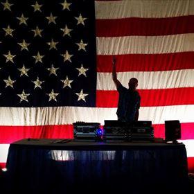 1:00 pm-2:00 pm - DJ EL