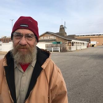 After 43 fairs, longtime Kansas State Fair carpenter retiring