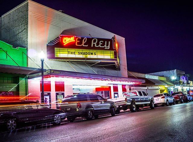 Cine el Rey on 17th St.