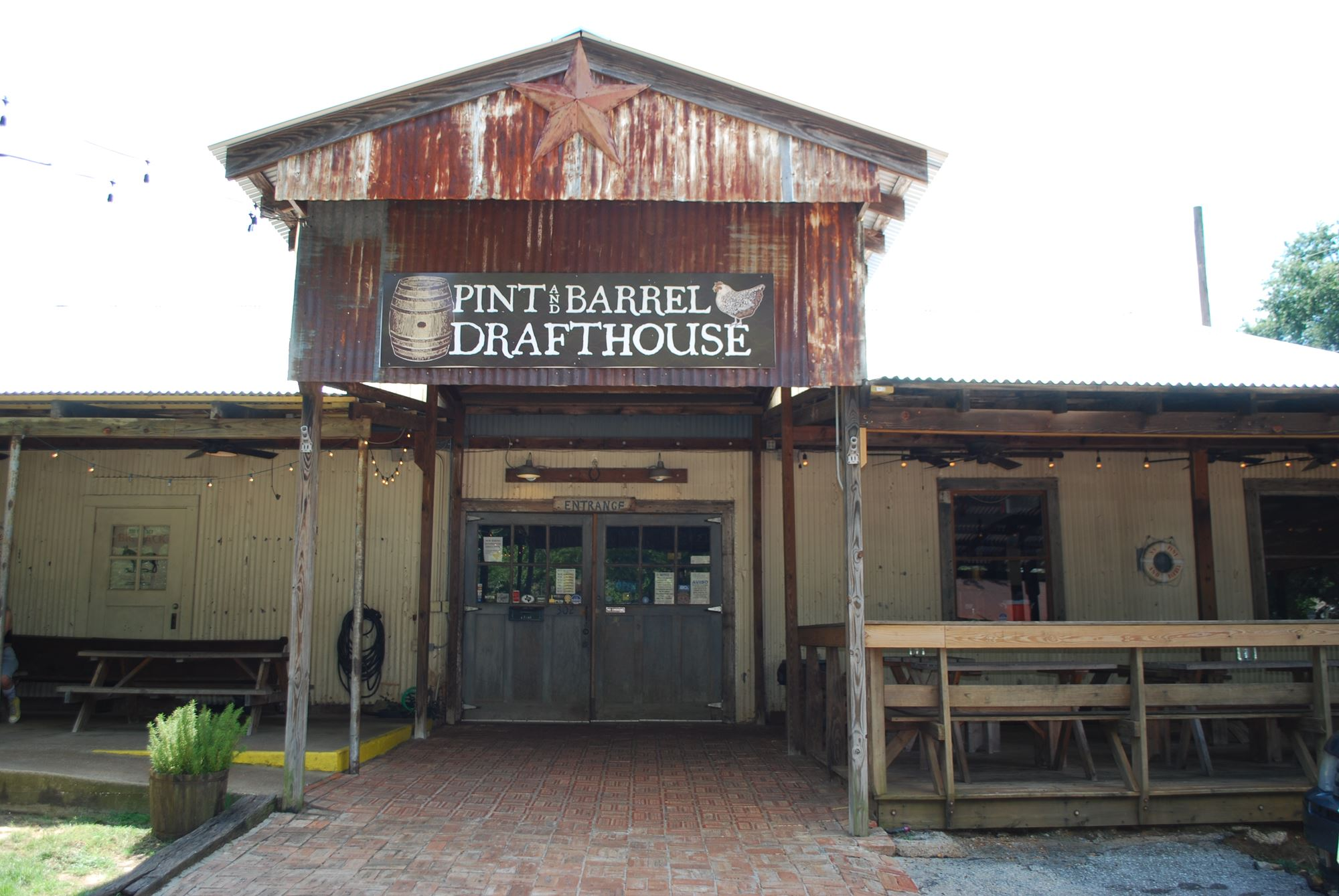 Pint & Barrel Drafthousee