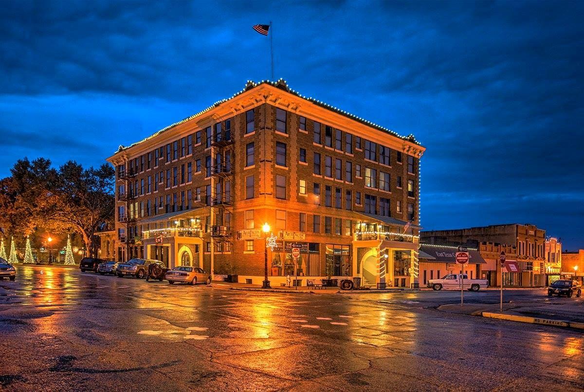 Historic Redlands Hotel