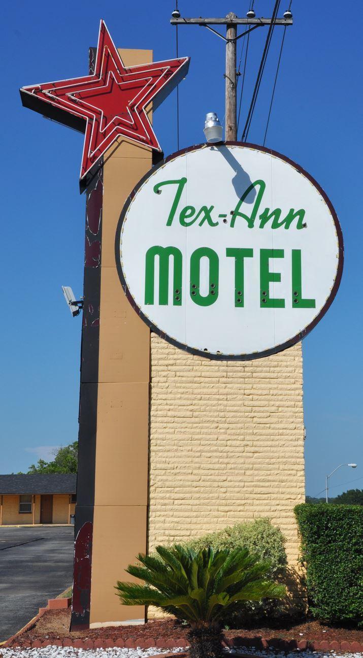 TexAnn Motel