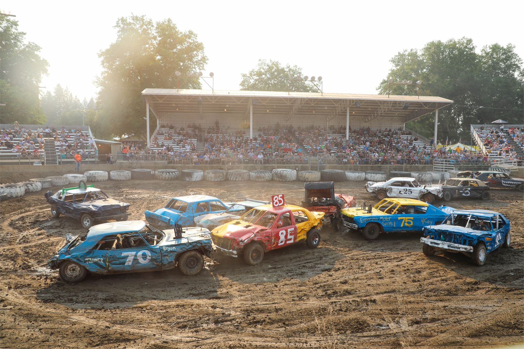 Les Schwab Tire Center <br> DESTRUCTION DERBY <br> presented by Yreka Motors