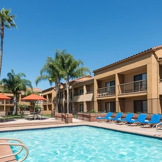 Pool at Courtyard Marriott in Buena Park, CA.
