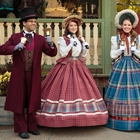 Carolers at Knott's Berry Farm in Buena park