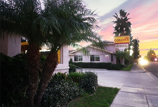 Exterior of the Colony Inn in Buena Park