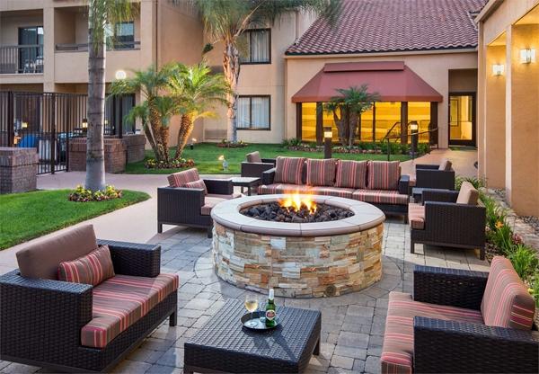 Courtyard Marriott outside patio in Buena Park