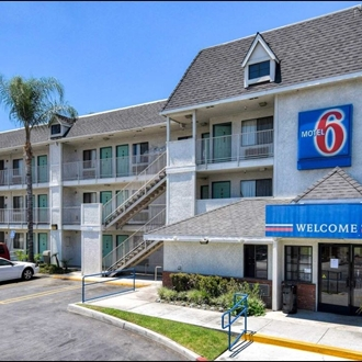 Front of Motel 6 in Buena Park