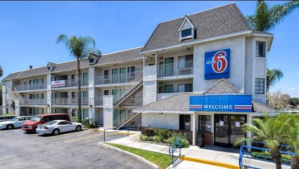 Exterior of Motel 6 in Buena Park