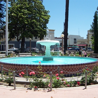 Fountain at Orange Circle