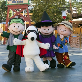 Peanuts gang in Halloween Costumes at Knotts Spooky Farm in Buena Park