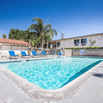 Pool at Roadway Inn in Buena Park