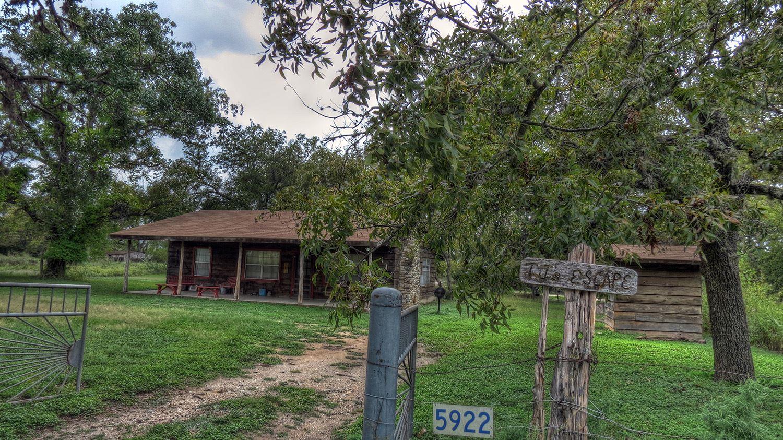 apartment rio texas baca home frio cabins s nonnies cabin nonnie leakey tx