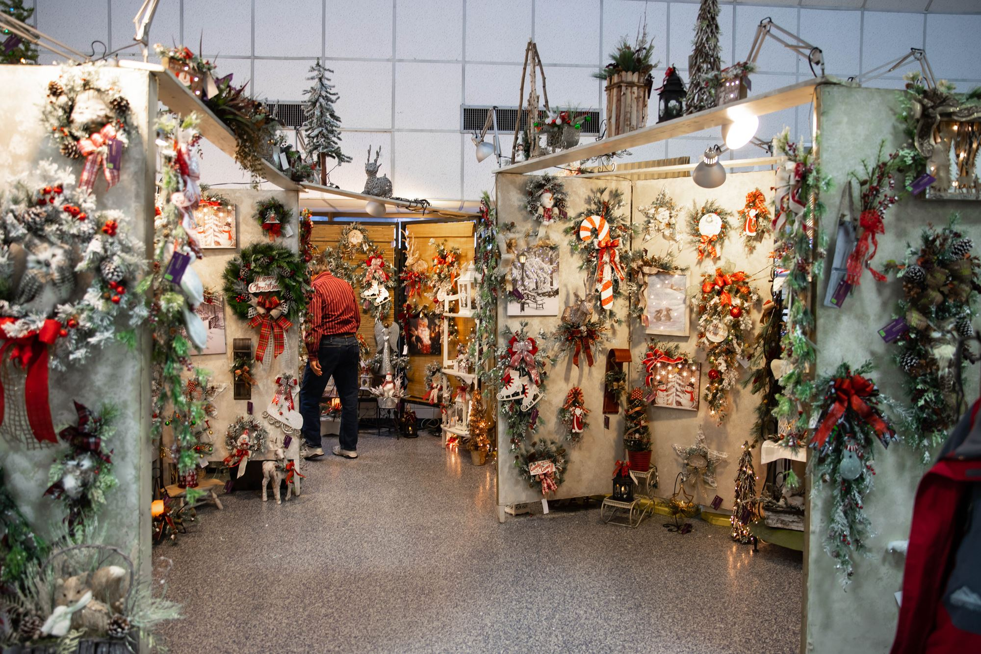 Christmas Crafts 2019.Christmas At Wings Arts Crafts Show